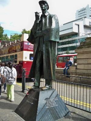 Estatua de Sherlock Holmes en Londres